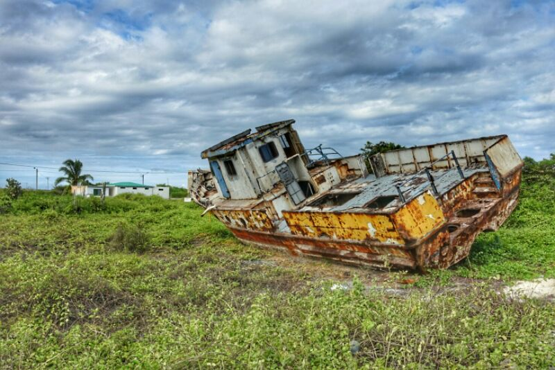 gestrande boot op isla isabela