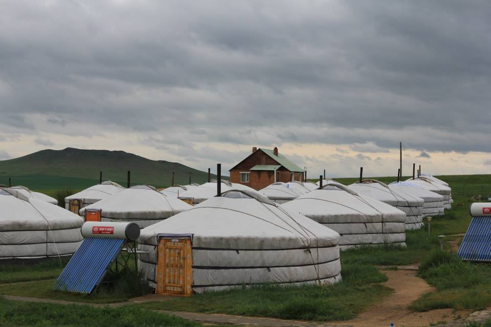 yurts-in-mongolie