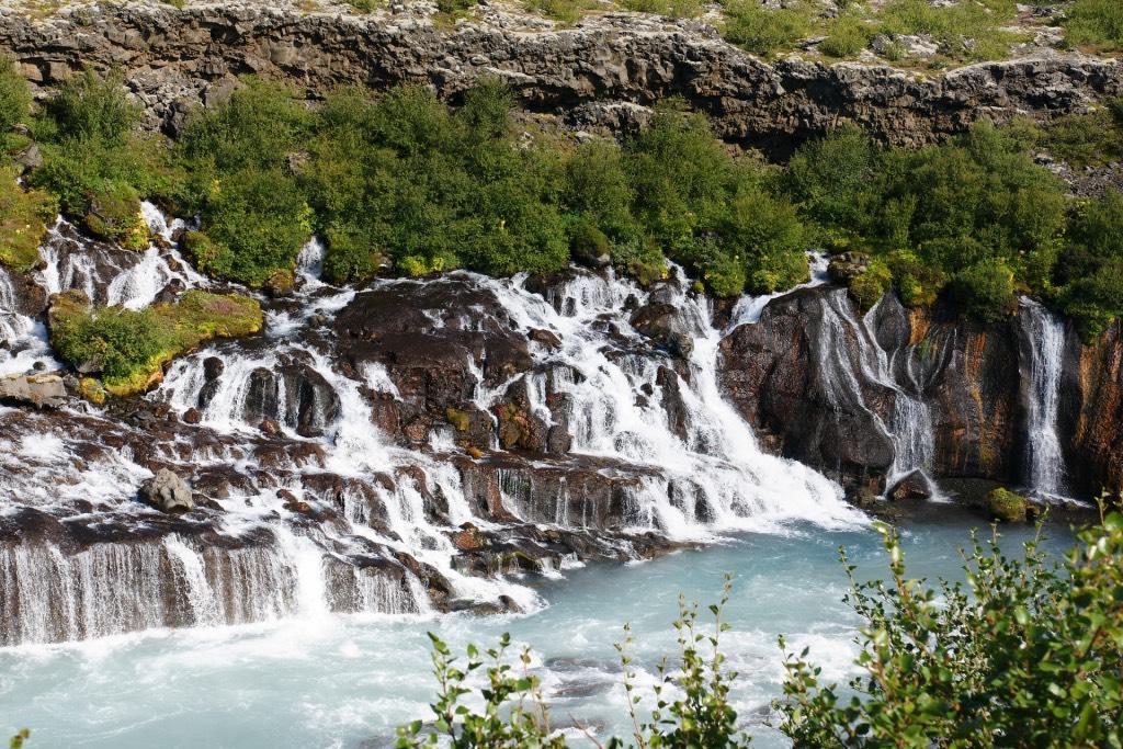 hraunfossar-waterval-ijsland