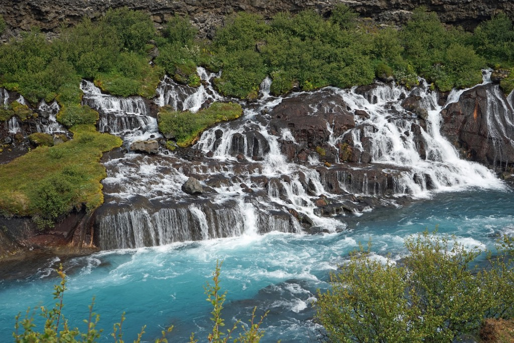 waterval-in-ijsland