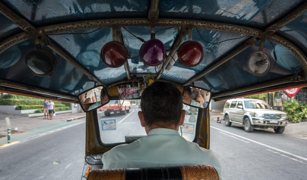 een tuktuk in thailand
