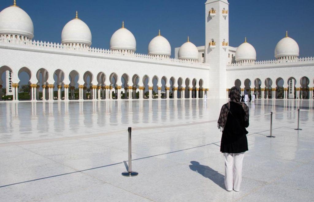 Kleding-moskee-midden-oosten