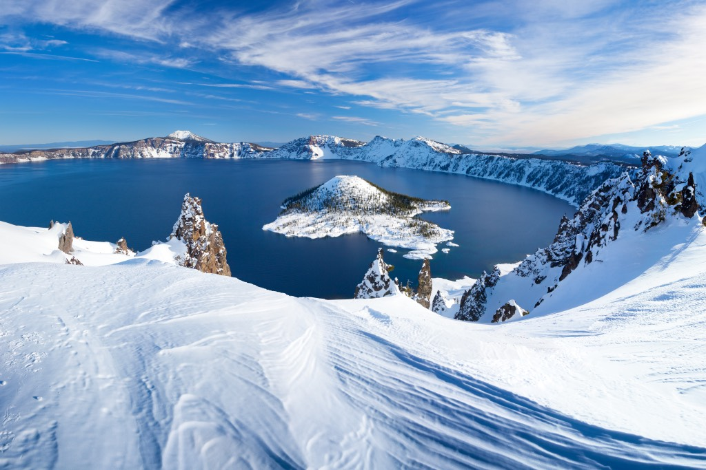 crater-lake-snow
