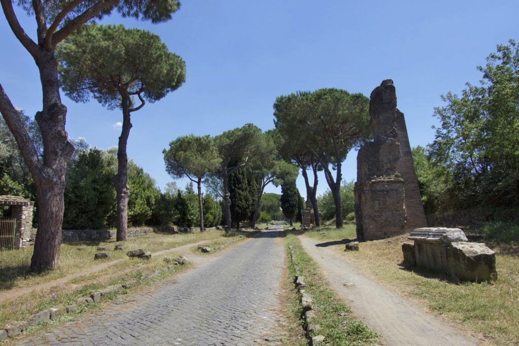Fietsen over de via appia ontdek het oude rome itali for Cioccari arredamenti via appia