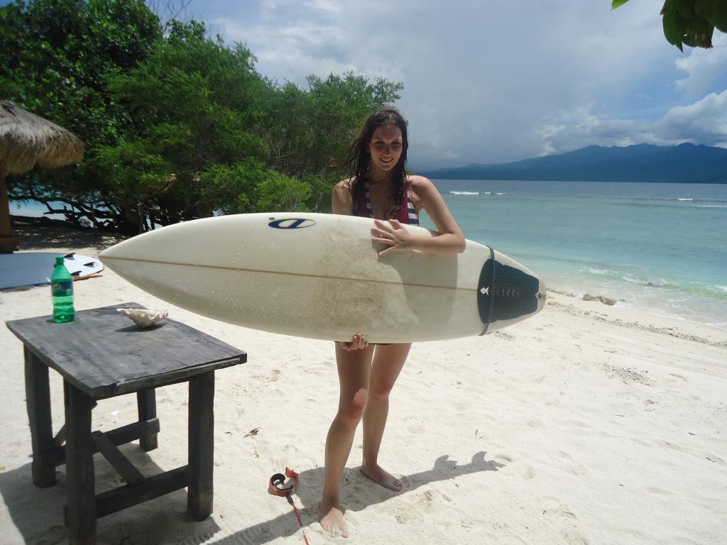 jessica surfen in indonesie